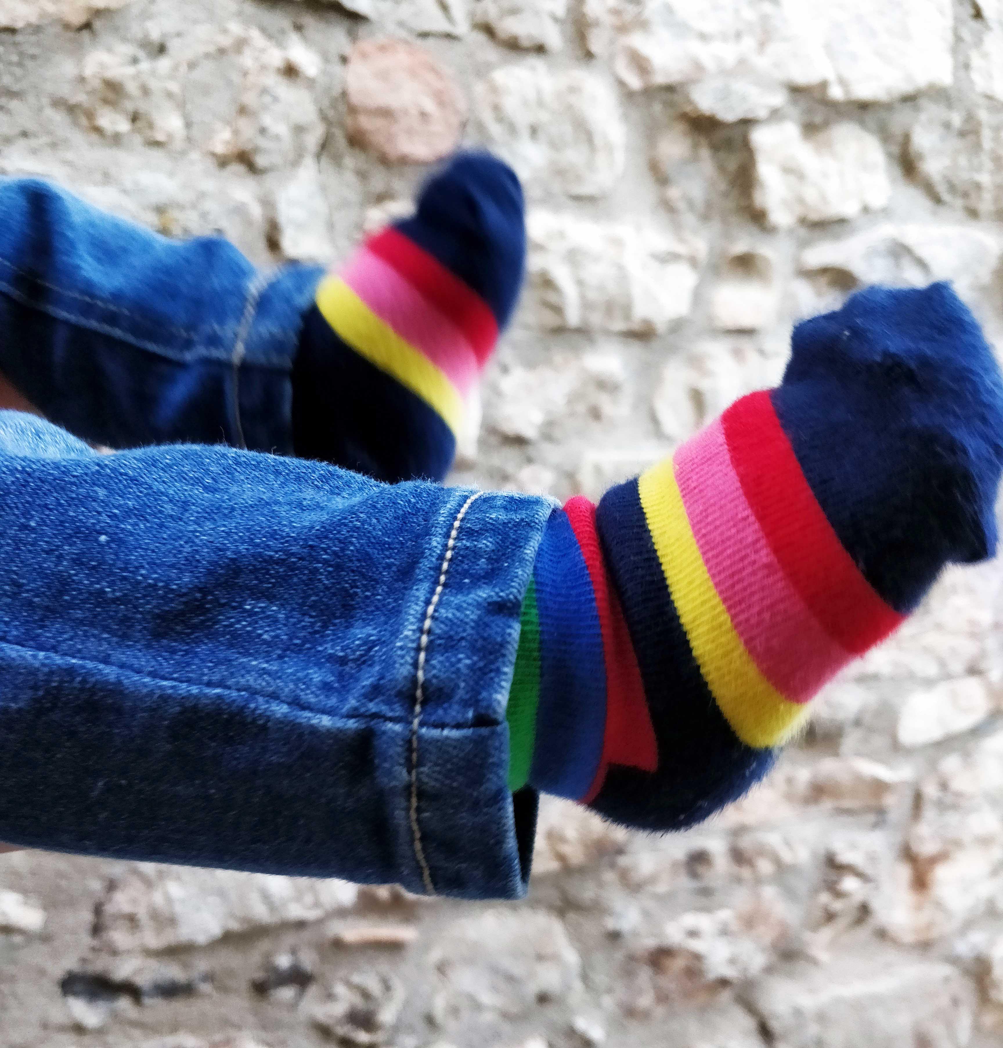70a62005ba Escoger unos zapatos adecuados para los más pequeños puede evitar problemas  en los pies y en el aparato locomotor del niño.