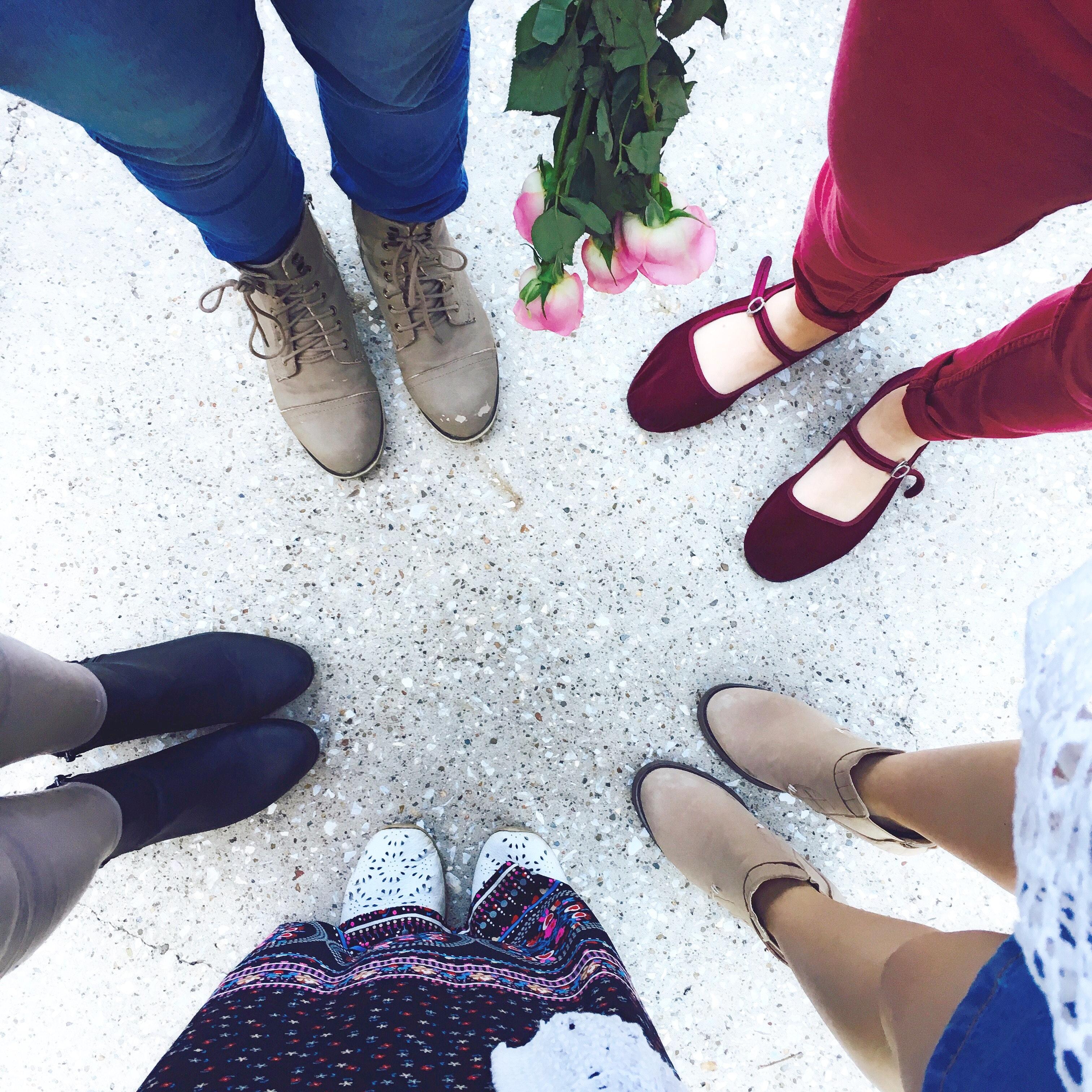 67b7f0f4 Los pies son una parte del cuerpo que debemos mimar y prestar mucha  atención, además de cuidarlos porque nos ayudan a caminar. A menudo, los  zapatos nos ...