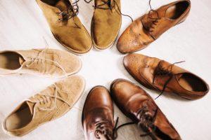 Diferentes zapatos